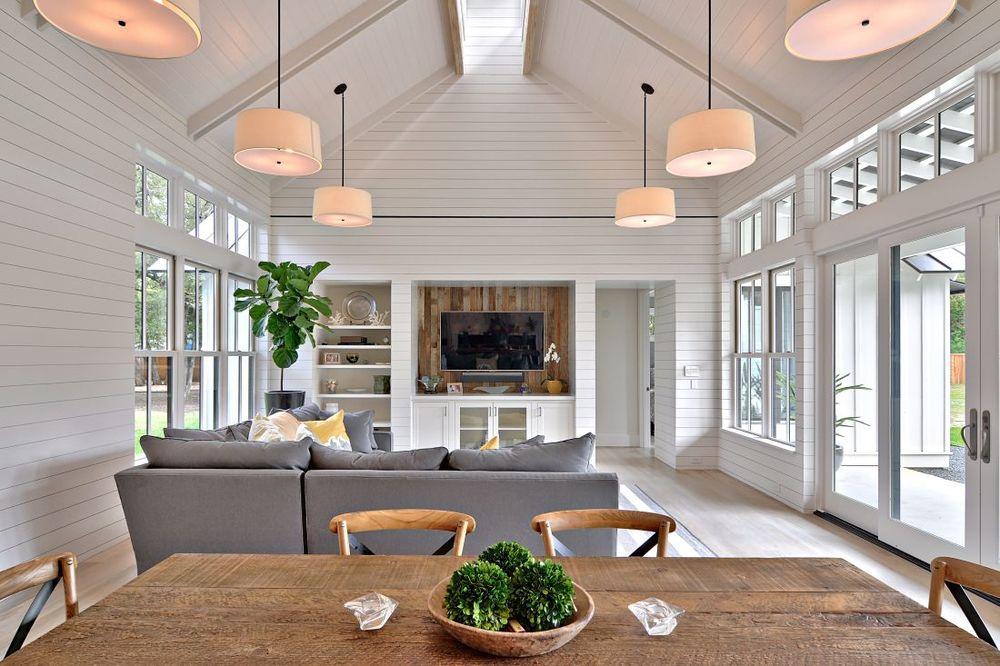 Modern Farmhouse — im Brown rchitecture - ^