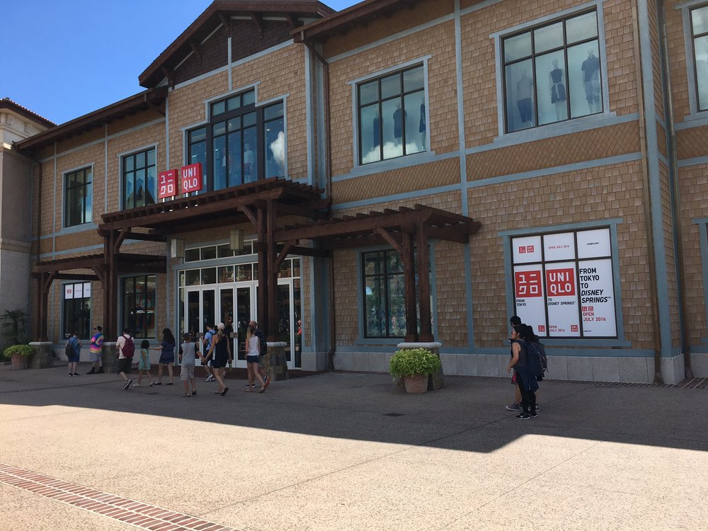 Two Story Uniqlo!!