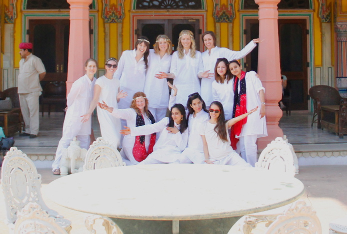 india-jaipur-roopniwas-precolor-holi-groupshot2.jpg