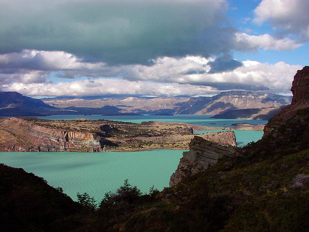 Patagonia.ElCondorCrossingTrek-Day1.LagoSanMartin.jpg