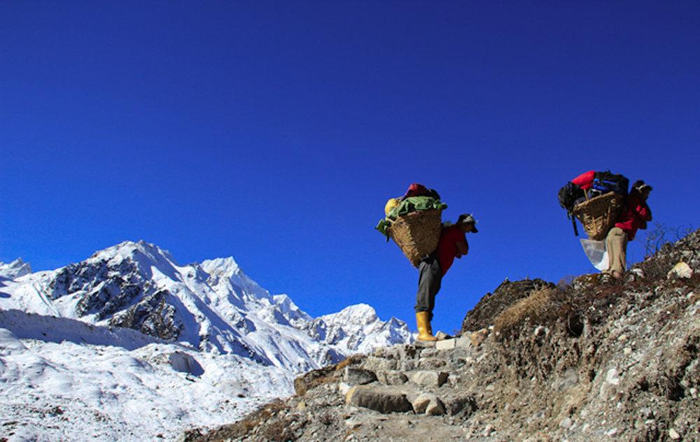 India.Sikkim.Siniolchu.Simvo.Porters.jpg