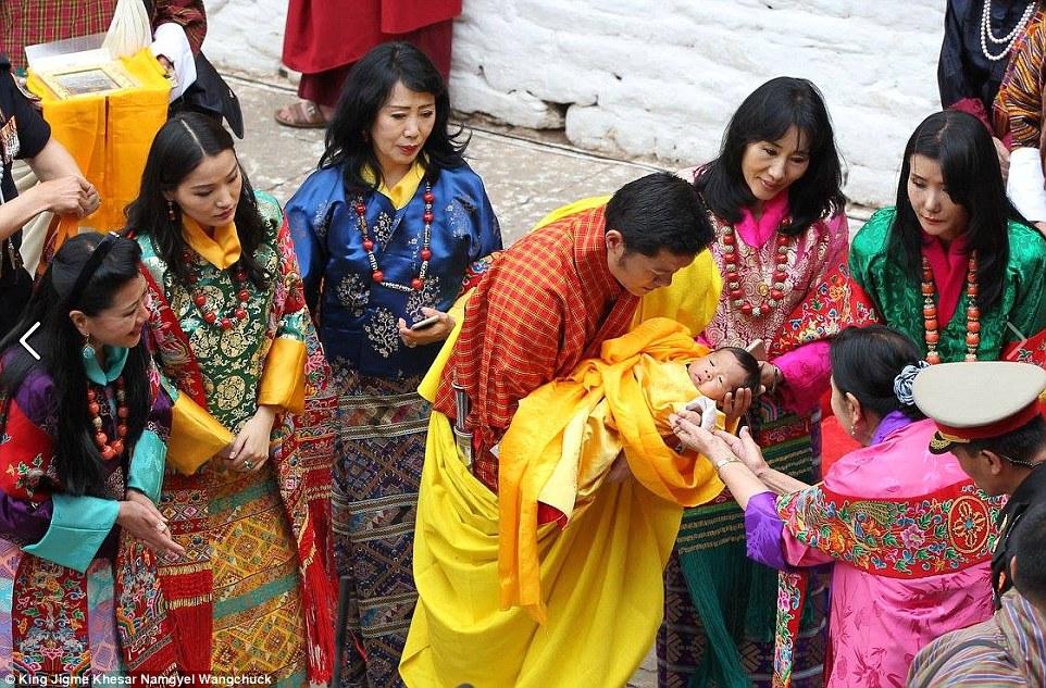 prince_naming_bhutan_01