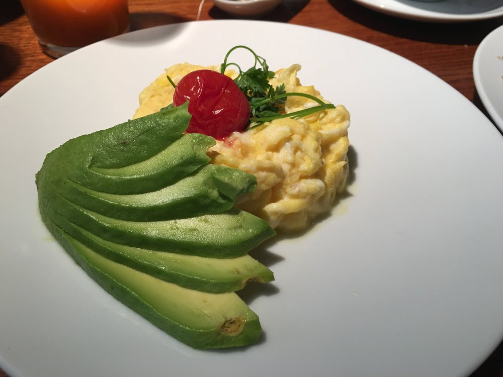 Claus for the best eggs and avocado.