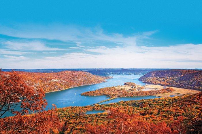 ny_hudsonriver_autumn_ss_14.jpg__701x466_q85_crop_subject_location-Hudson River.jpg
