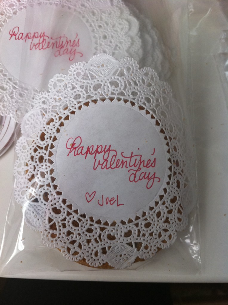 Insert your cookies with paper doilies into cellophane bag.