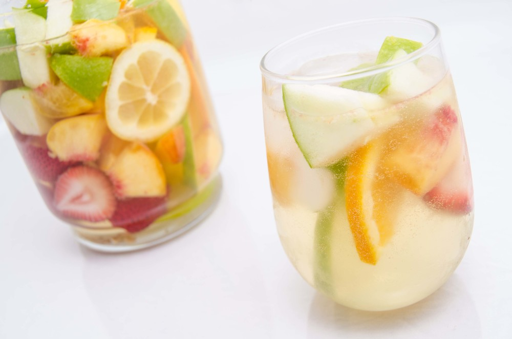 SANGRIA-PITCHER-AND-GLASS-SMALL