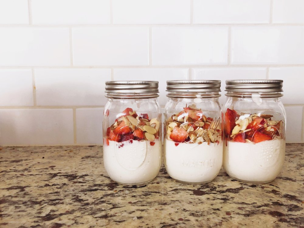super-easy-tasty-healthy-yogurt-breakfast-meal-prep.jpg