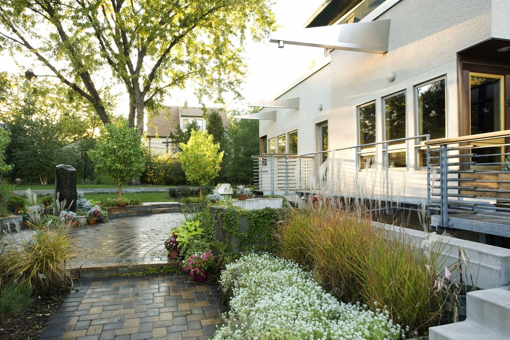 south minneapolis patio and sideyard planting