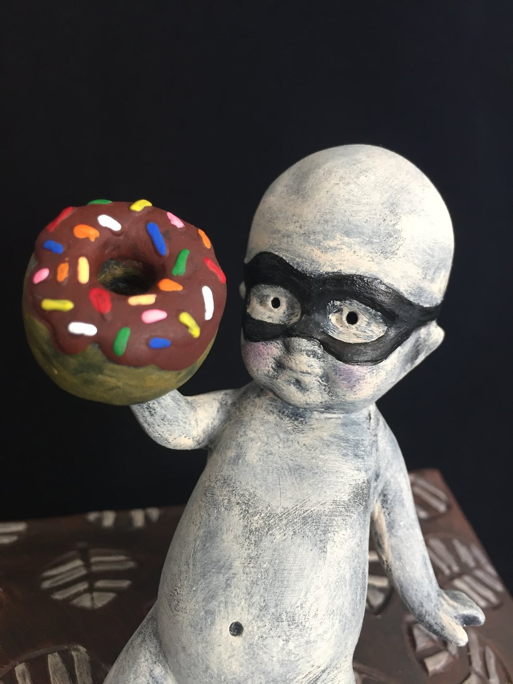 Sneeky Doughnut