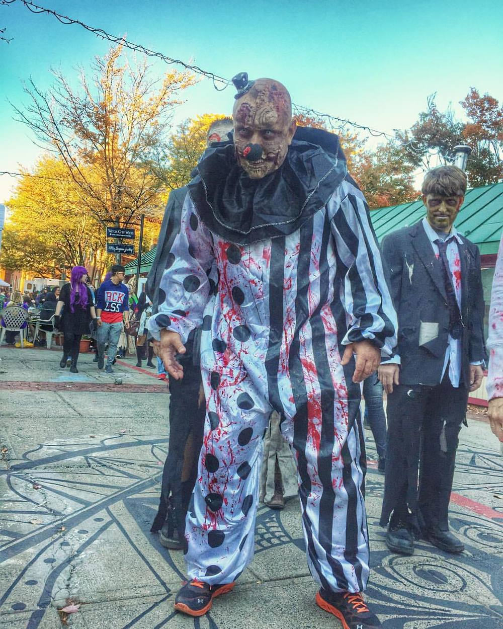 creative-salem: Oh hey there big fella #zombiewalk #hauntedhappenings2015 #salemma #creativesalem (at Artists Row-Salem MA) Aw, man. I can't believe I missed the zombie walk. Next year, I'm there. A.M.