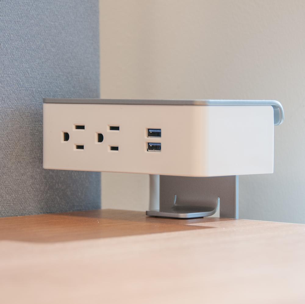 Desktop Outlets-3585.jpg
