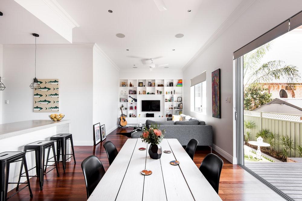 Improved glazing used in design by DALECKI DESIGN