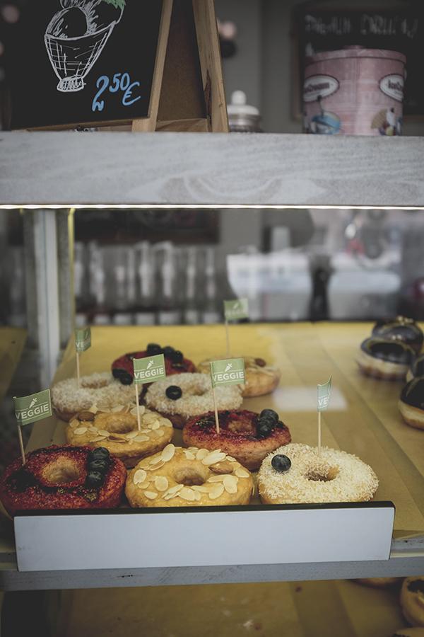 Veganiškos spurgos. Donut Tree. Klaipėda.  Vegan donuts.Donut Tree. Klaipeda.