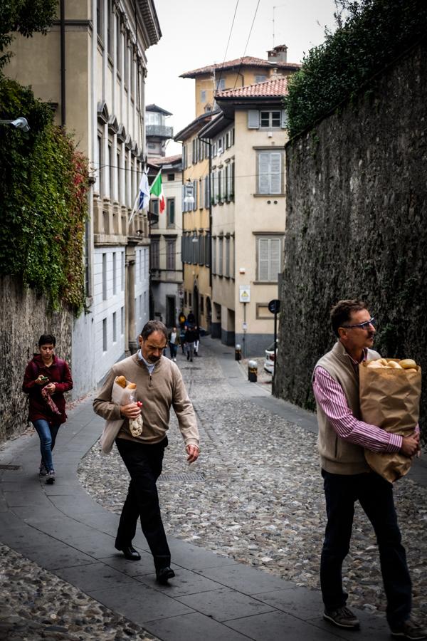 Duonos valgytojai  Bread eaters