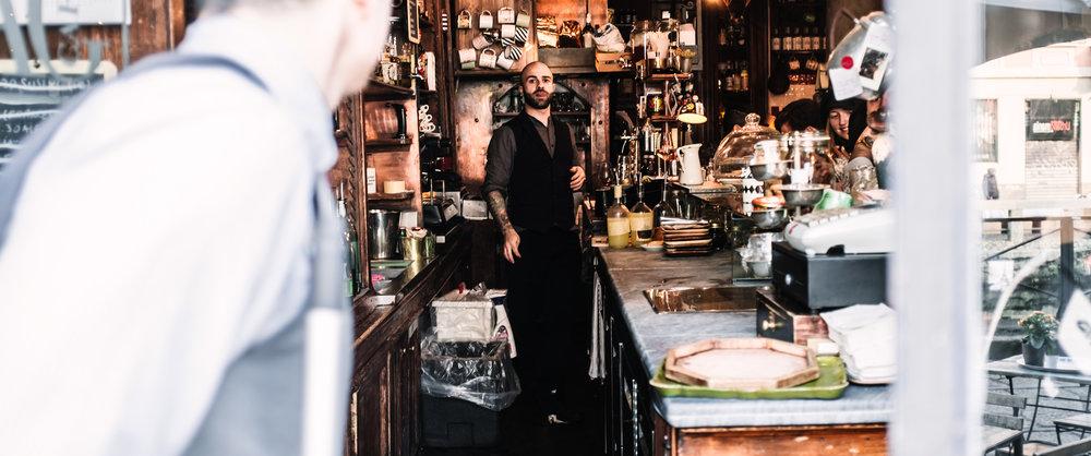 Milano Navigli. MAG Cafe
