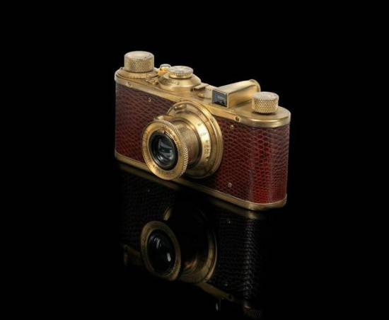 Leica-Luxus-IC-camera-550x452.jpg