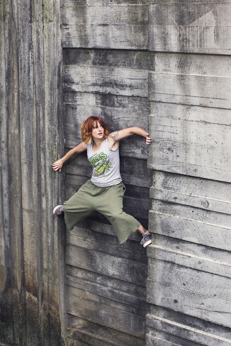 Anya Chibis Jump Girl 04.jpg