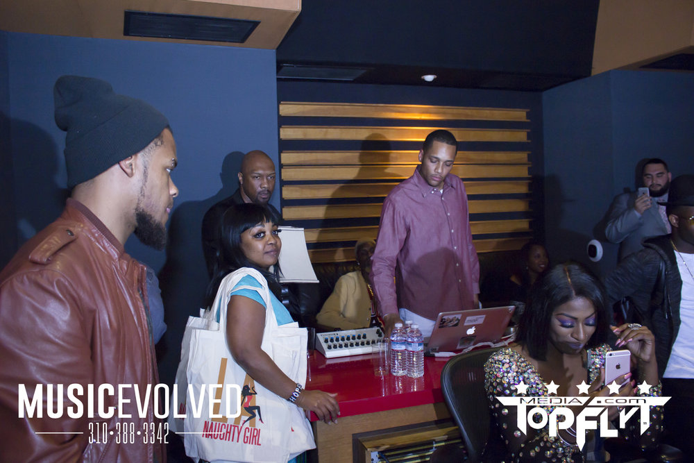Music Evolved Listening Party_34.jpg