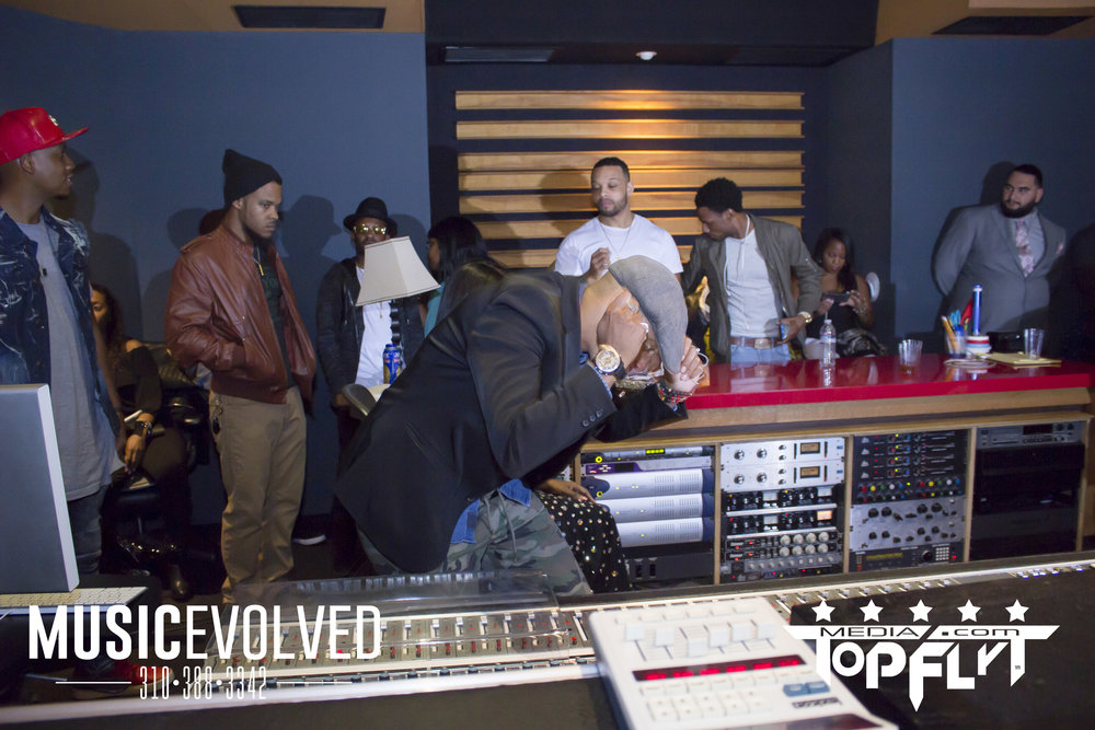 Music Evolved Listening Party_74.jpg
