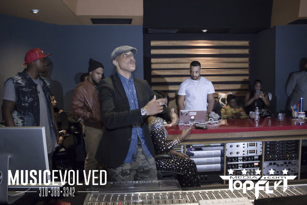 Music Evolved Listening Party_75.jpg