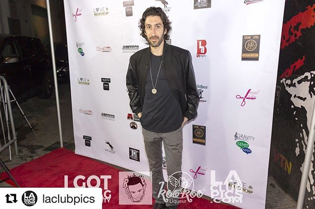 On the red carpet with Anthony Marks of @kroq & @935kday, a new friend of LA Club Pics @ 'I Got The Bag' NBA All-Star Weekend Party at The Regent. 📸 @thedumilama for @laclubpics  This post is proudly brought to you by @KooKooLiqueur, the world's first #dairyfree #glutenfree #darkchocolate liqueur. #Repost @laclubpics with @get_repost ・・・