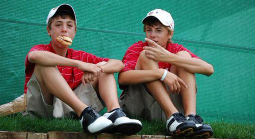 Thomas (left) and Spieth (right) at a junior tournament.