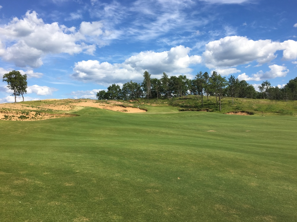 The approach to the long par 5 4th hole at Sand Valley.