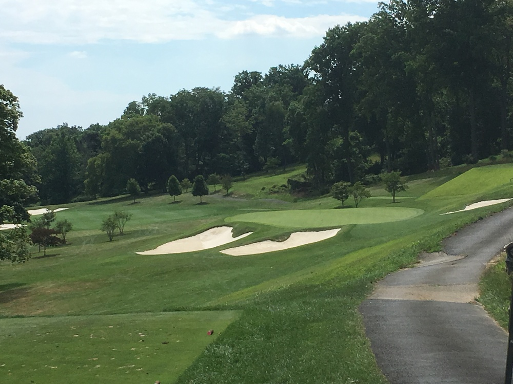 The mid-iron par 3 4th at Manufacturers'
