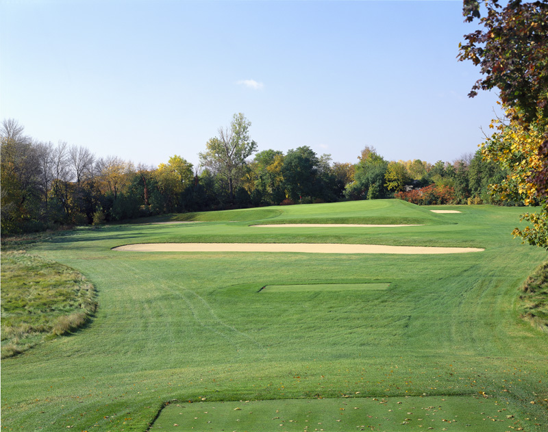 The tee shot to the 7th at Chicago Golf Club. Photo Credit: Chicago Golf Club.