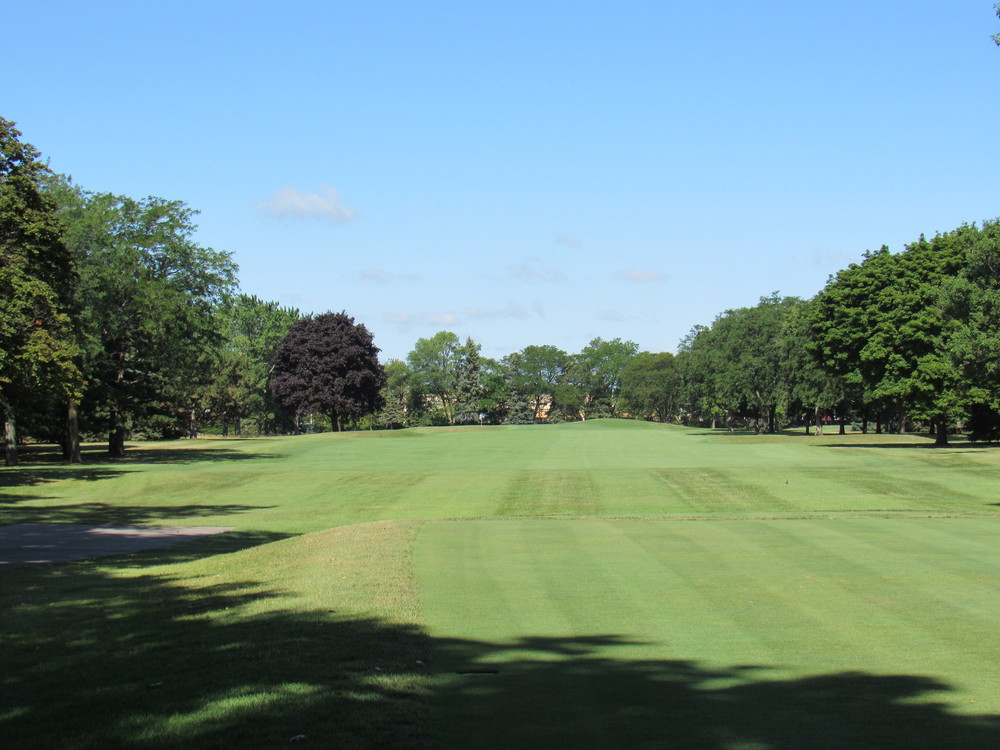 1st tee shot at Raynor's Blue Mound.