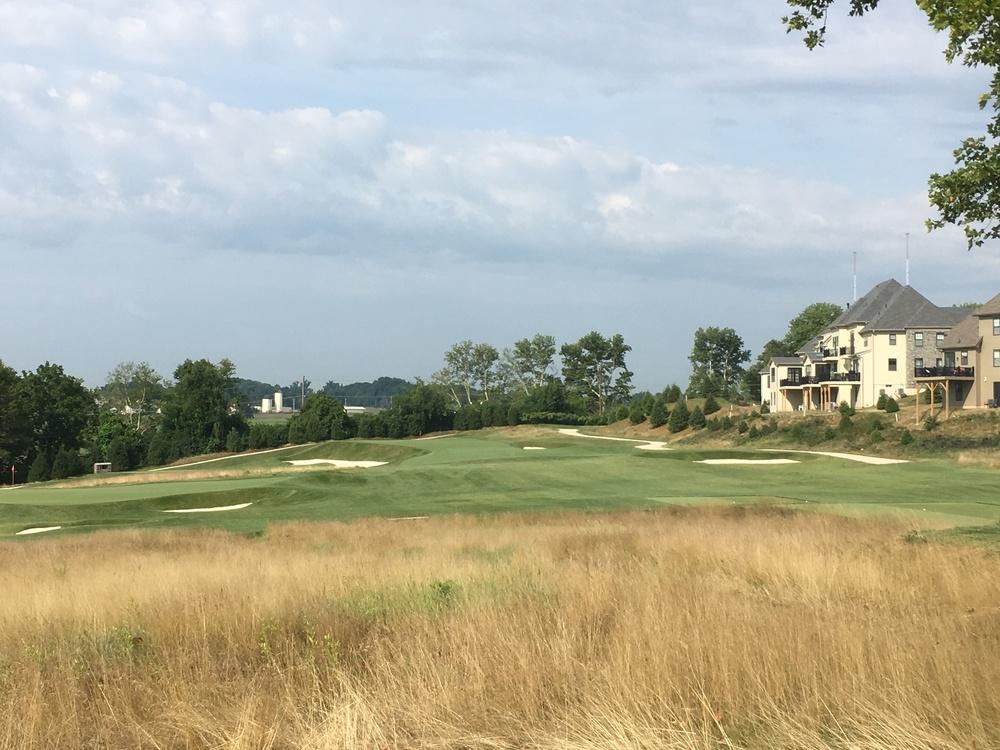 The long 240 yard redan at Tillinghast's Philadelphia Cricket Club.