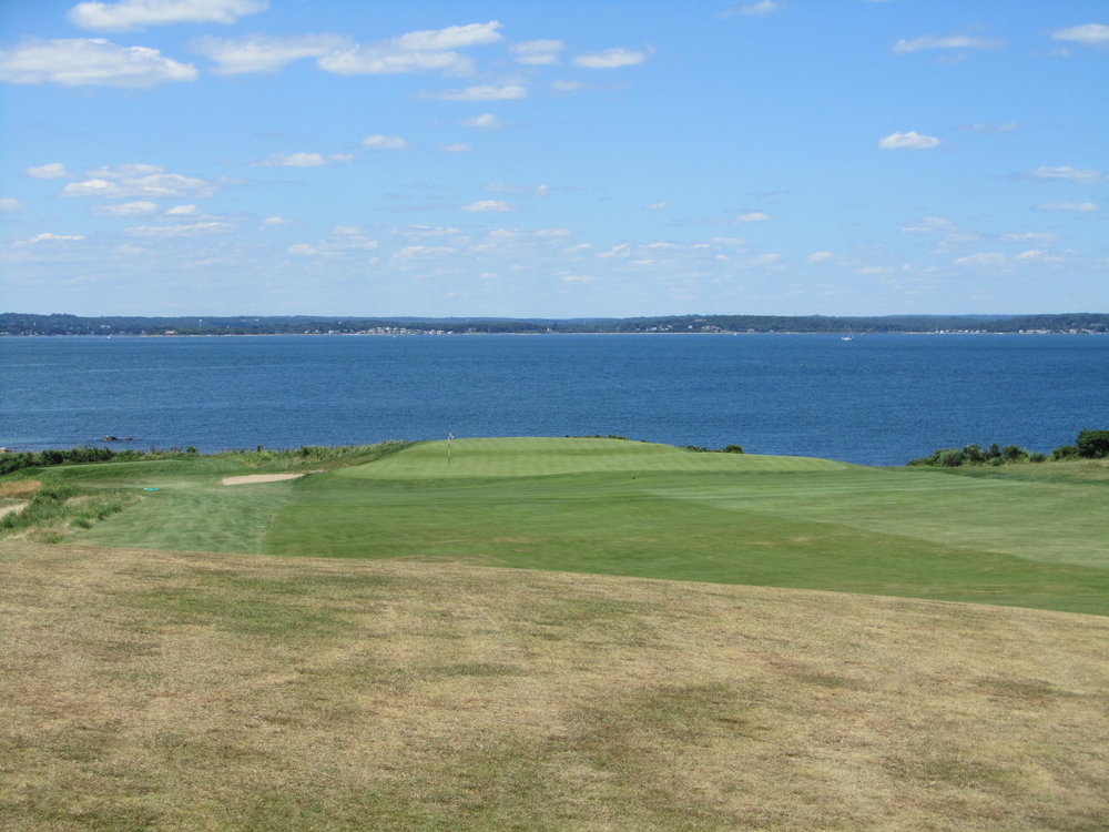 The approach to the 9th at Fishers Island.