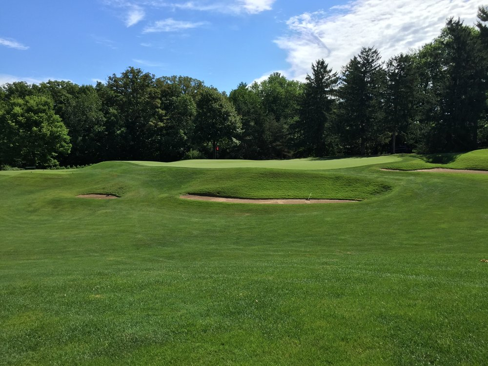 A look from the side of the double plateau 6th at St. Louis C.C. Photo Credit: Kyle Truax  @TheTruArchitect