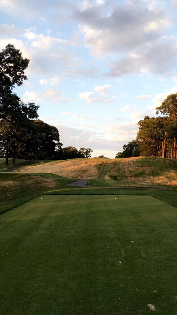 The blind tee shot at Morris County's 4th hole. Photo Credit:  Spencer Waresk
