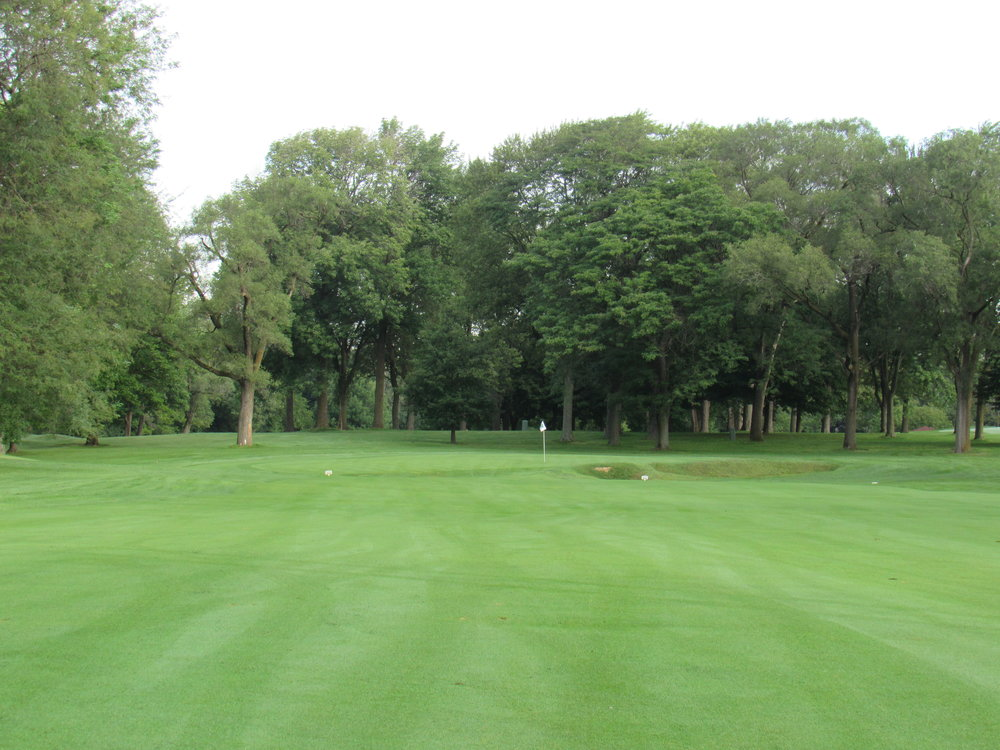 #2 at Ravisloe Country Club approach