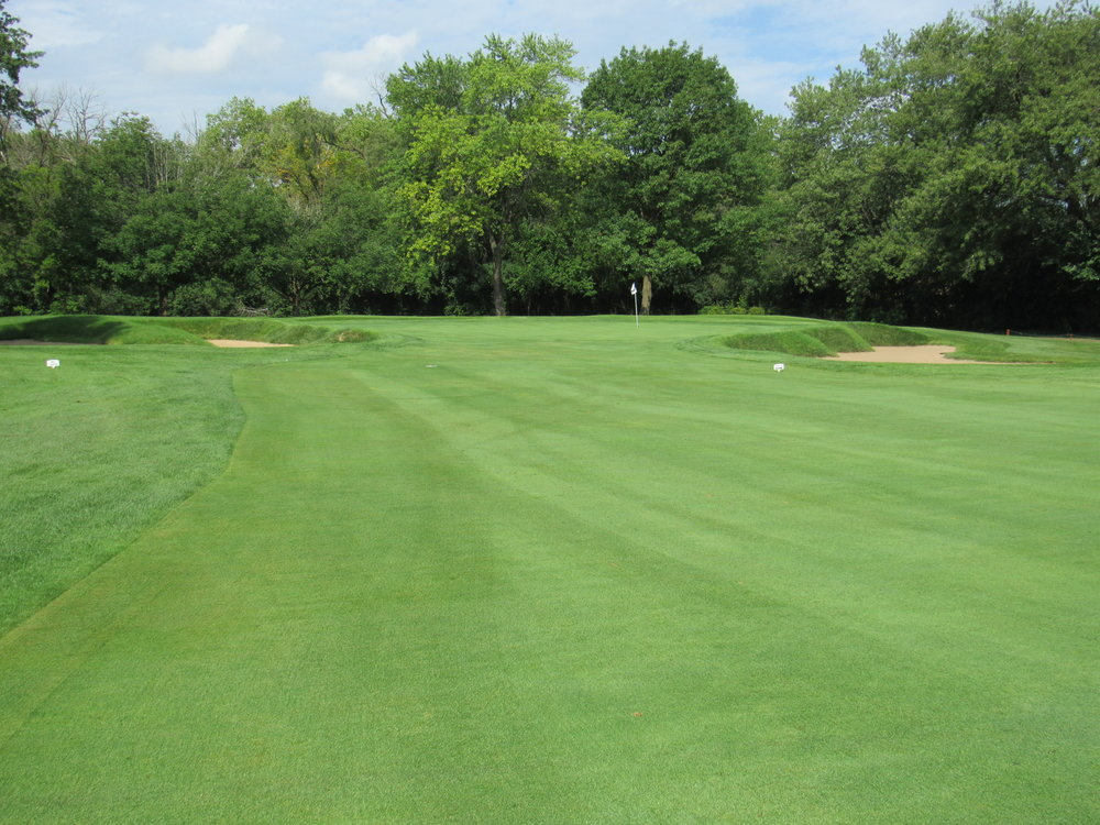 #13 Ravisloe C.C. - Approach to green