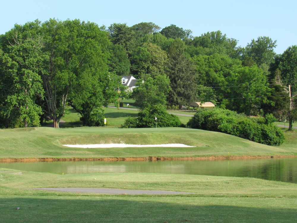 The picturesque par 3 4th at Holston Hills.