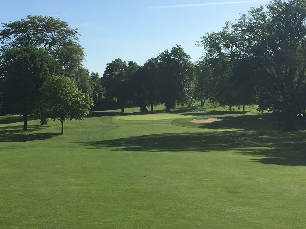 The approach to the 4th green at Downers Grove Golf Club