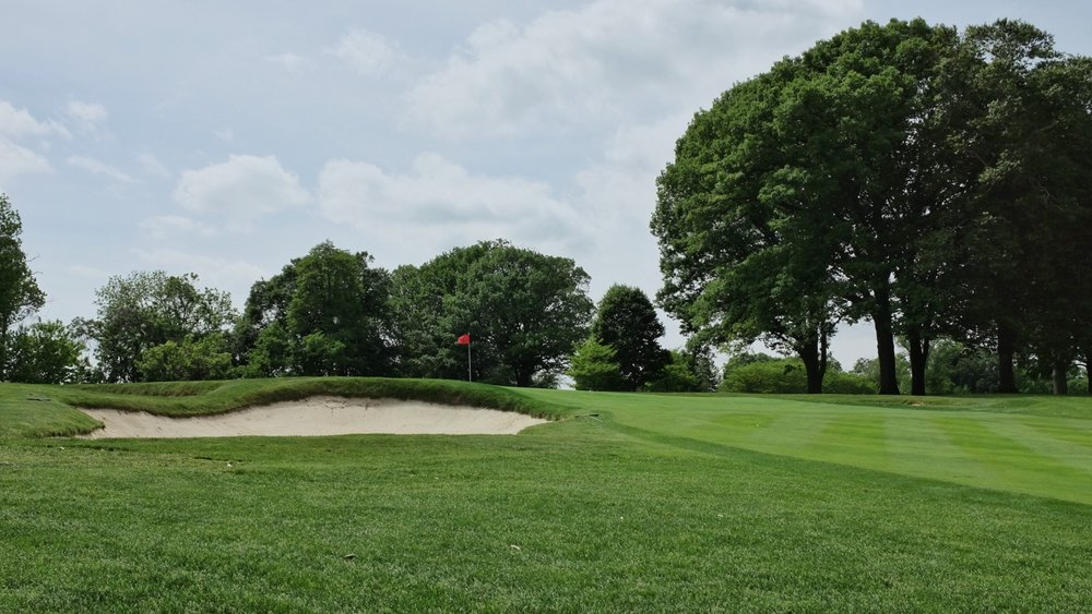 A look at the severe uphill green at the 4th. Photo Credit:  @linksgems
