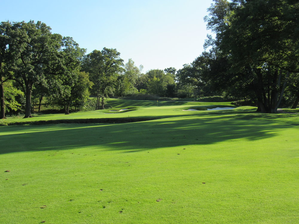 The approach to the 12th at Olympia Fields Country Club.