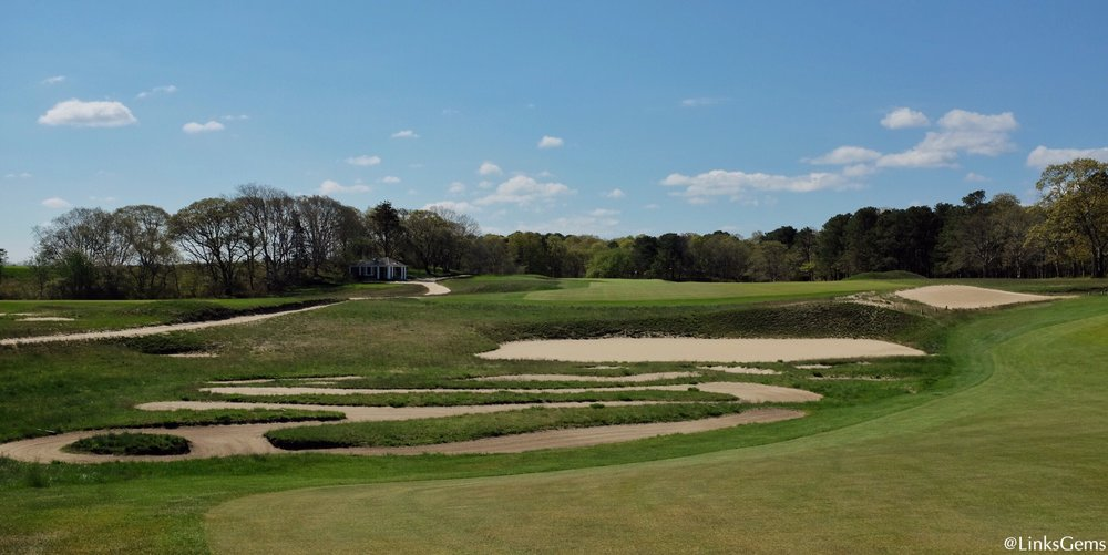 A closer look at the bunkering at NGLA's 9th. Photo Credit: Jon Cavalier  @linksgems