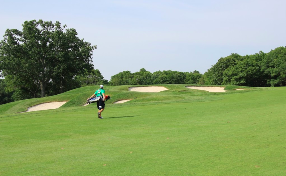 The approach to the green is ideal from the right side rather than the left. Photo Credit: Graylyn Loomis  @grayloomis