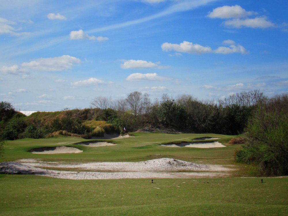 The great short par 3 8th at Streamsong Red