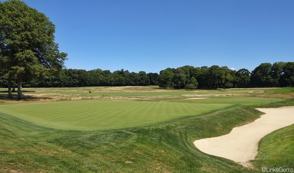 From behind the 9th green at Piping Rock. Photo Credit: Jon Cavalier @linksgems