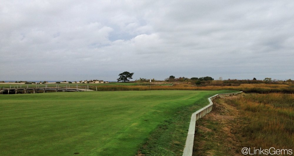 The back of the green at the Creek Club's 11th hole. Photo Credit: Jon Cavalier  @linksgems