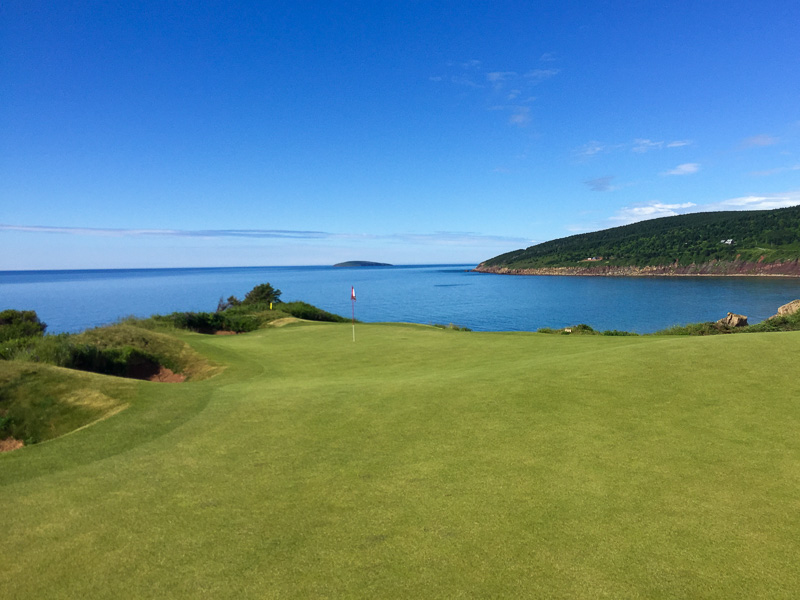 The tough 16th green. Photo Credit: Christian Hafer  @hafe_life