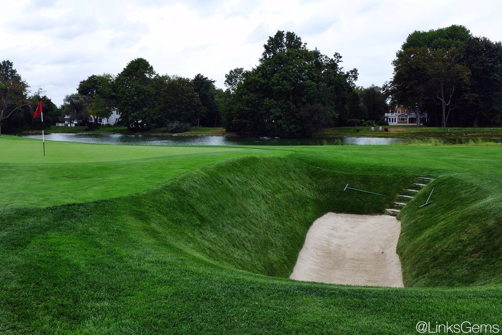 The bunker on Garden City's 18th Photo credit: @linksgems