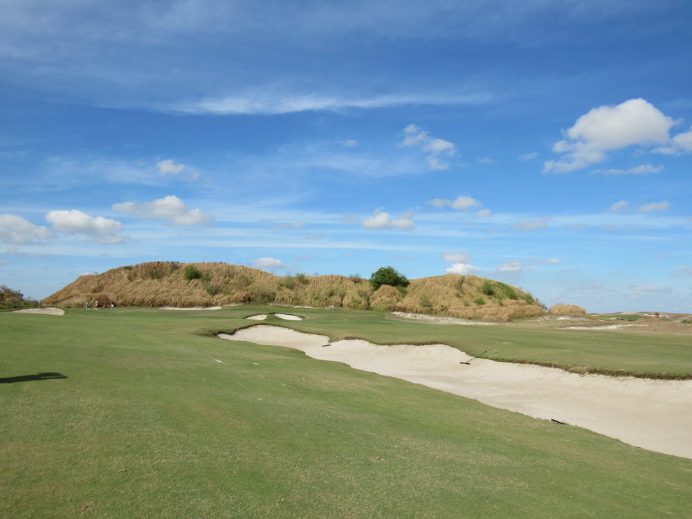 The variety of bunkers on Streamsong Red's 4th