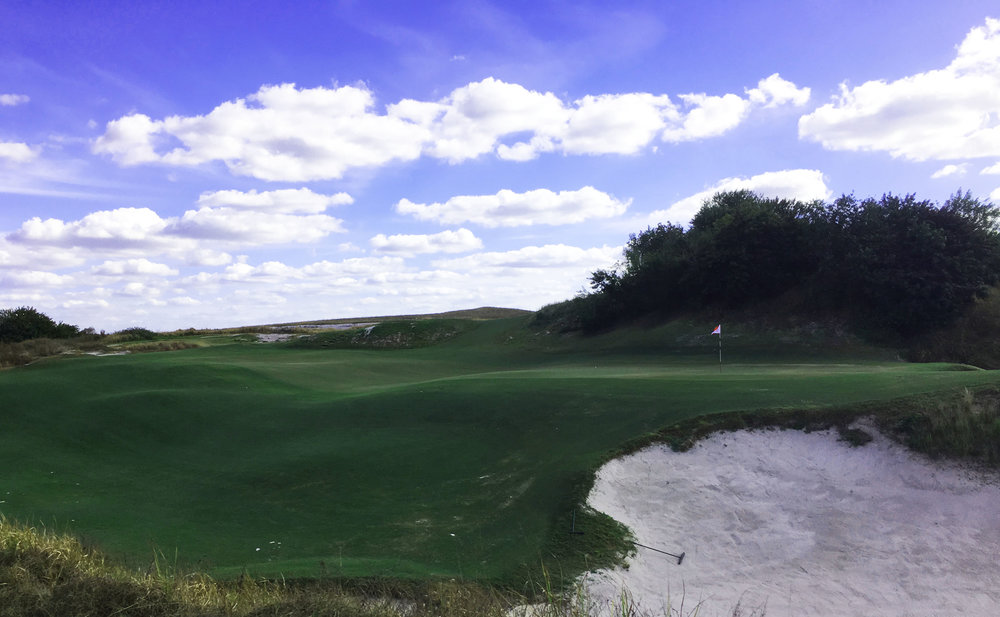 Streamsong Red's giant biarritz