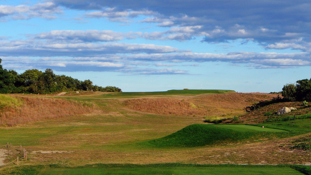 The third tee shot at Fishers Island. Photo Credit: Jon Cavalier @linksgems